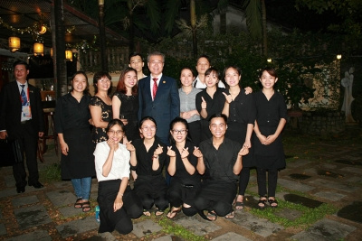 Lam Vien Restaurant is pleased to serve the Leaders from 21 countries during the APEC Summit